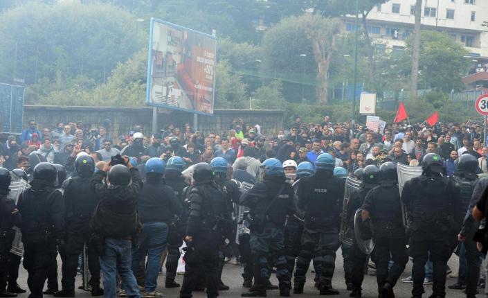 Napoli #BlockBce (foto Popoff)