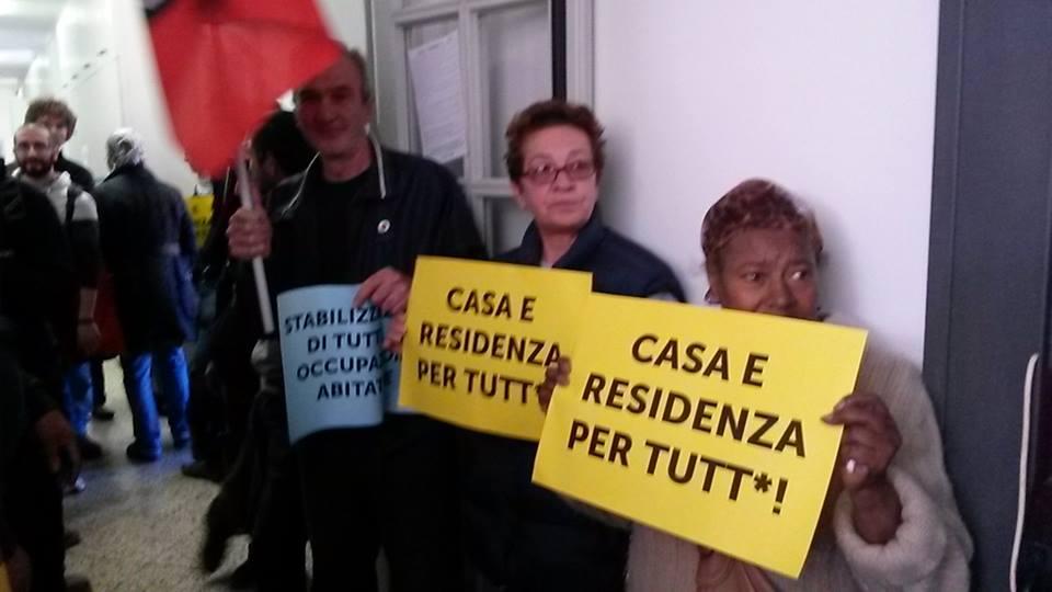 Occupazione anagrafe (foto fb Adl Cobas Emilia Romagna)