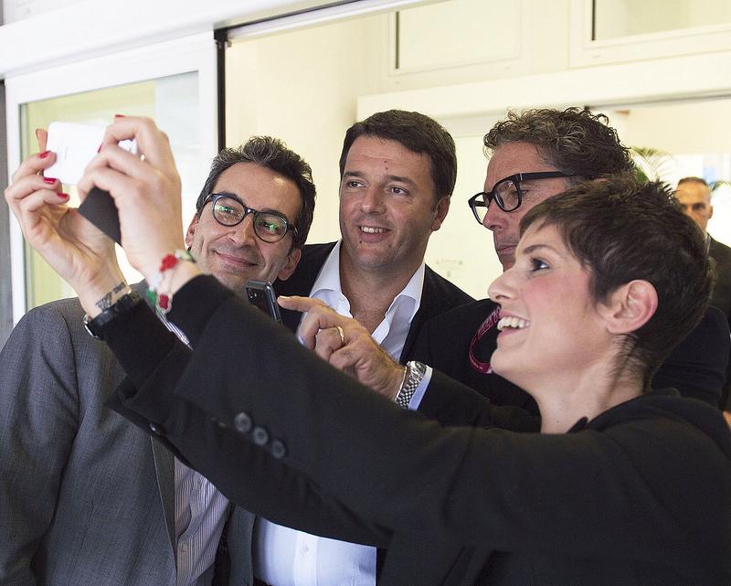Renzi a ottobre 2014 alla Yoox di Zola Predosa (foto da flickr PalazzoChigi)