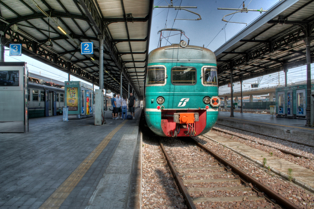 Stazione di Bologna, piazzale Ovest (foto di Paolo Margari)