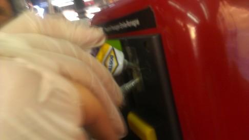 Sigillate macchine timbratrici (foto Làbas)