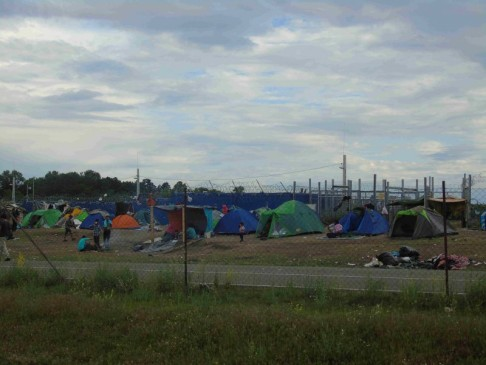 Campo di transito di Kelebia, Ungheria (foto Moving Europe)