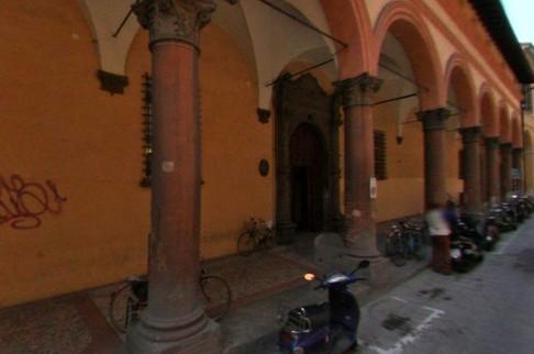 Dams, via Barberia, Palazzo Marescotti