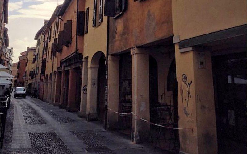 Via del Pratello (foto di Valentina Turri da Flickr)